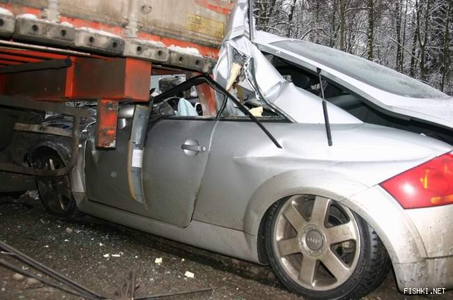 Crash of Audi TT into a standing truck