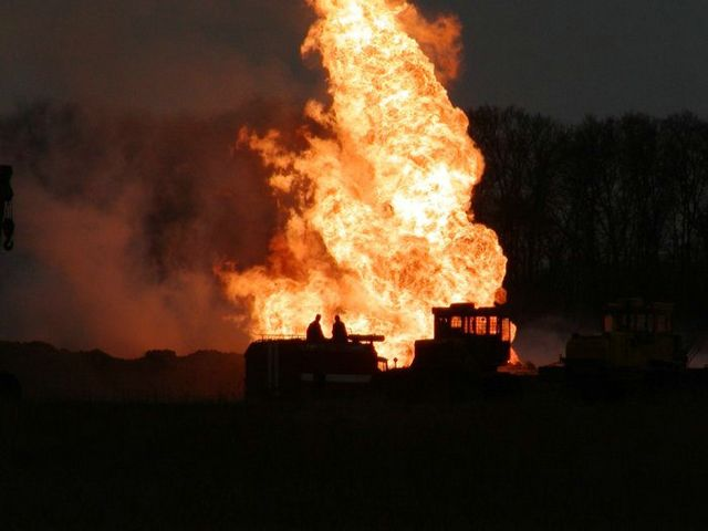 fire on the russian oil well part 16